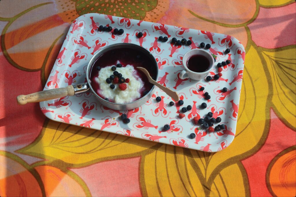 Rice porridge with blueberry soup